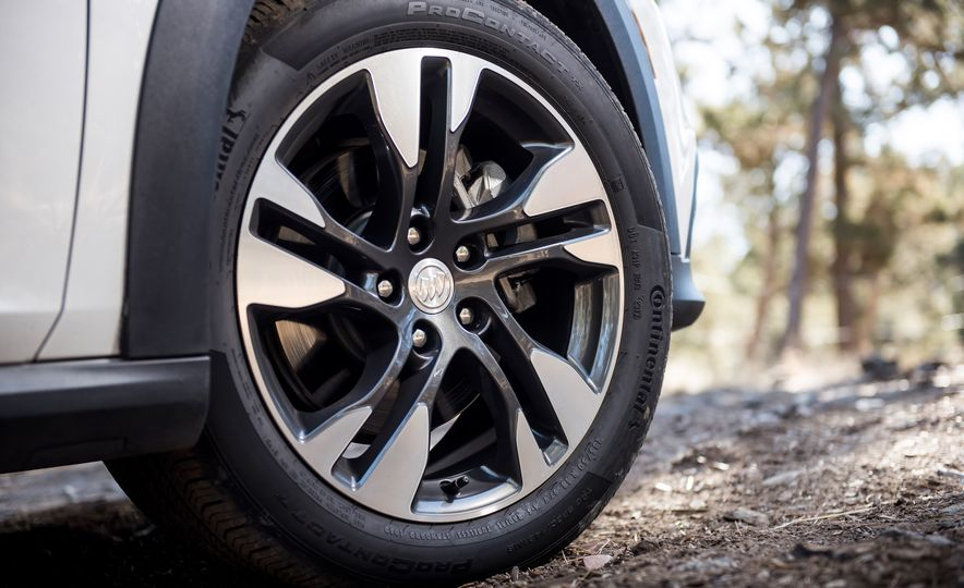 2018 Buick Regal TourX - Slide 9
