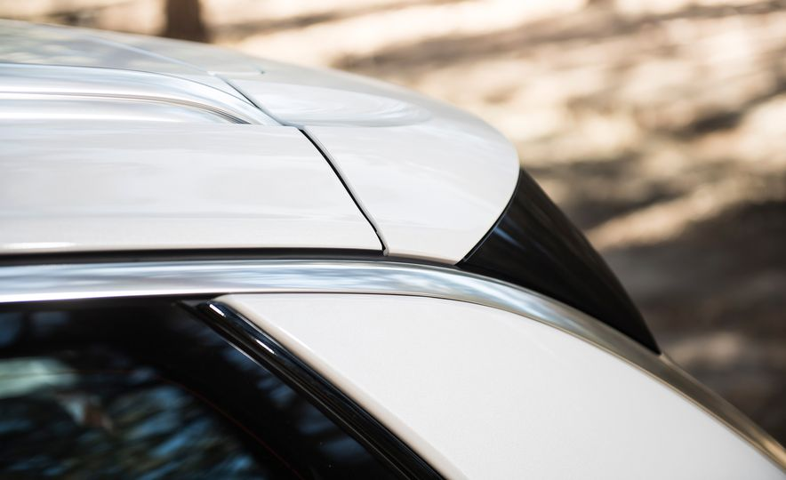 2018 Buick Regal TourX - Slide 10
