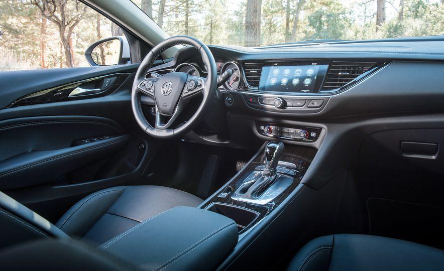 2018 Buick Regal TourX - Slide 11