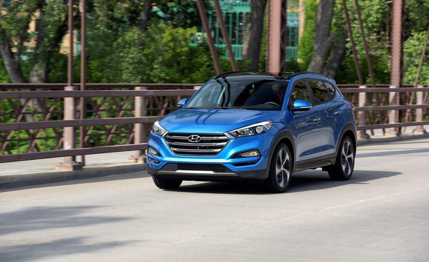 2018 Hyundai Tucson - Slide 1