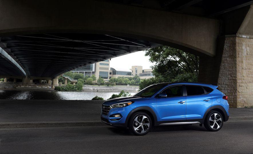 2018 Hyundai Tucson - Slide 3