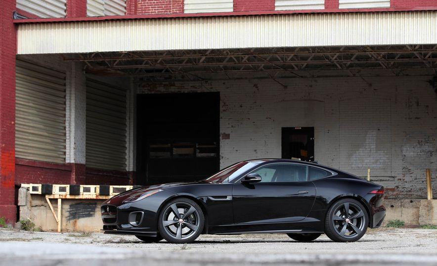 2018 Jaguar F-type 400 Sport - Slide 18