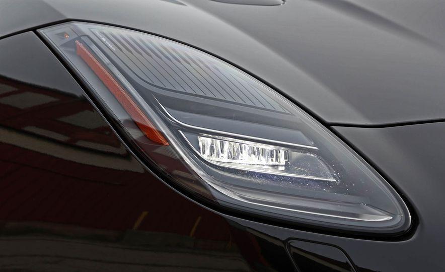 2018 Jaguar F-type 400 Sport - Slide 24