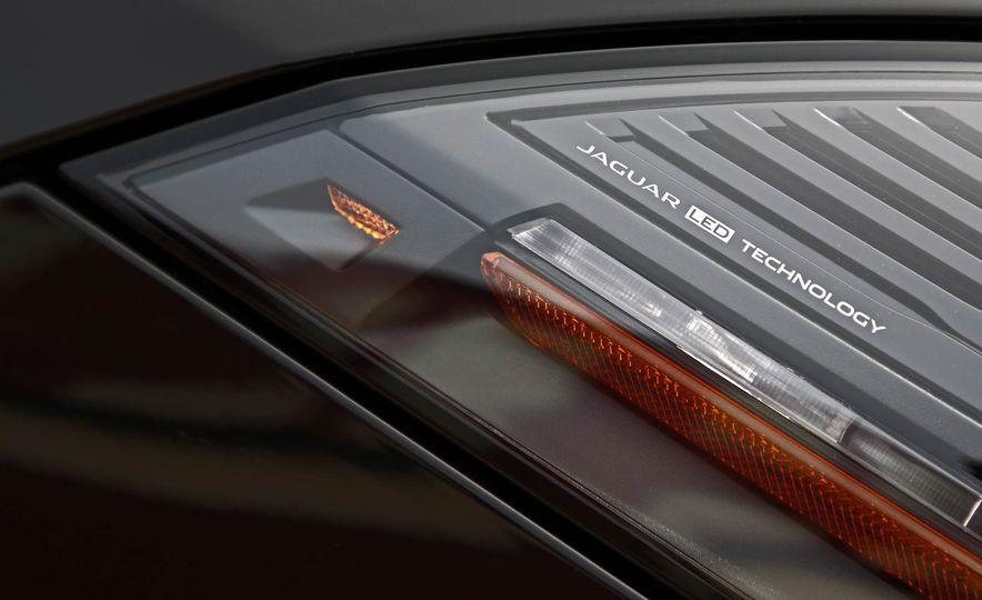 2018 Jaguar F-type 400 Sport - Slide 25