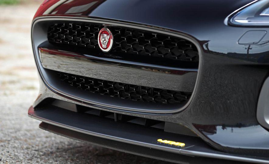 2018 Jaguar F-type 400 Sport - Slide 26