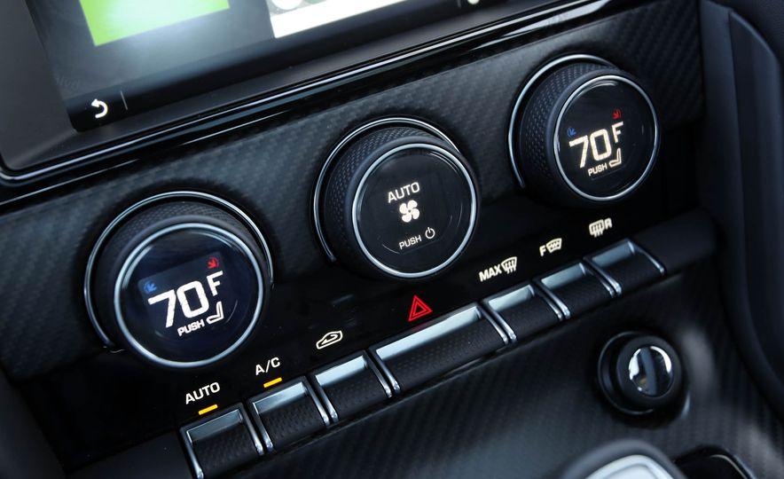 2018 Jaguar F-type 400 Sport - Slide 58
