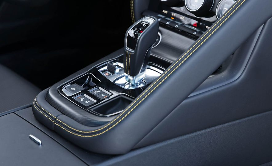 2018 Jaguar F-type 400 Sport - Slide 65