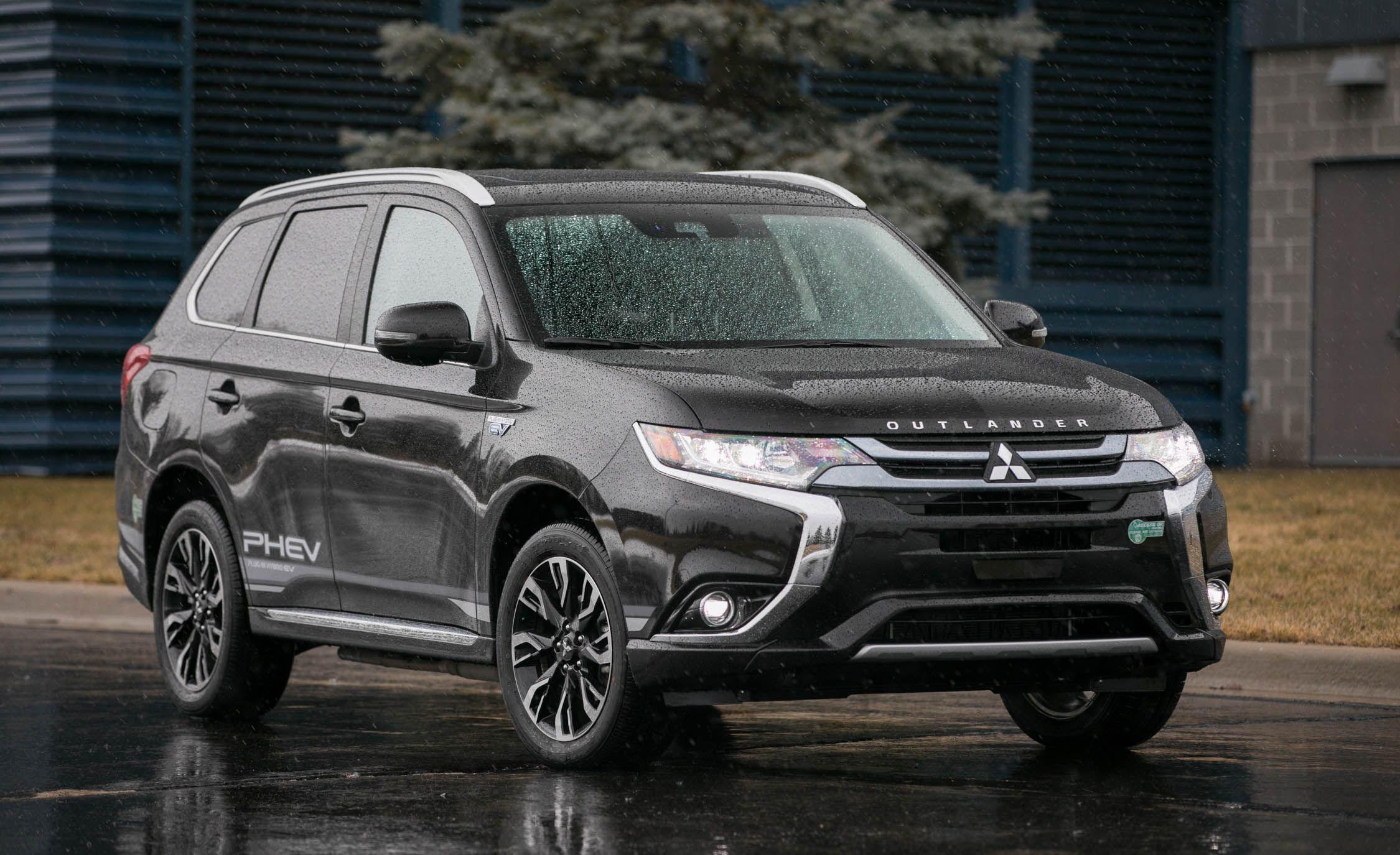 2019 Mitsubishi Outlander Reviews   Mitsubishi Outlander Price, Photos, and  Specs   Car and Driver