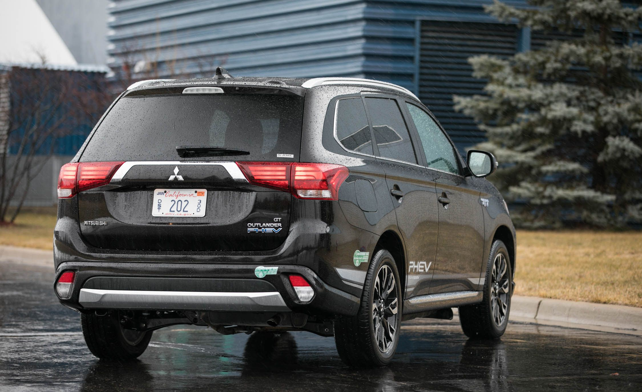 2019 Mitsubishi Outlander Reviews Price Photos And Specs Car Driver