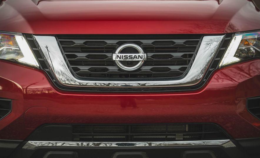 2018 Nissan Pathfinder - Slide 19