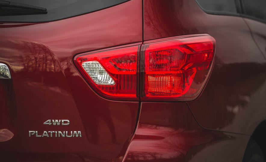 2018 Nissan Pathfinder - Slide 22