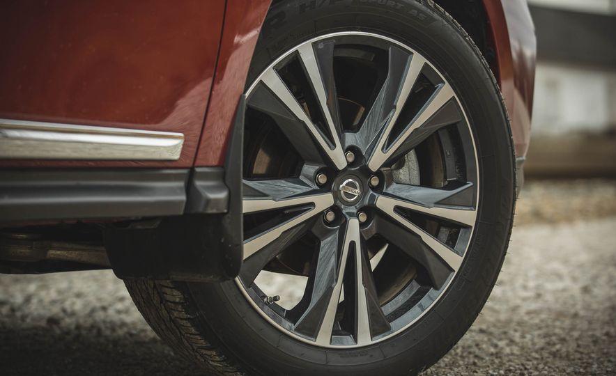 2018 Nissan Pathfinder - Slide 23