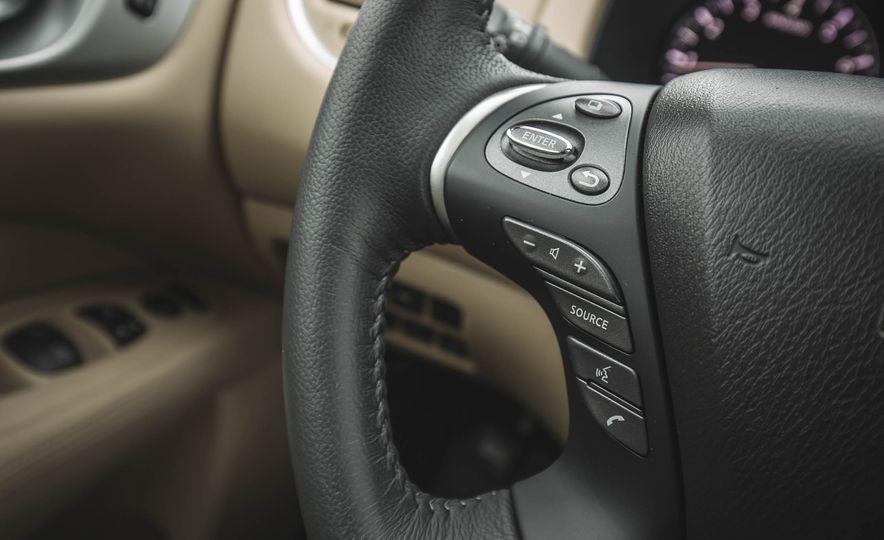 2018 Nissan Pathfinder - Slide 30