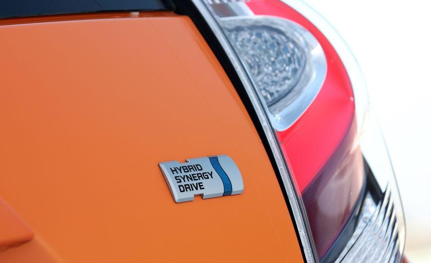 2018 Toyota Prius C - Slide 32