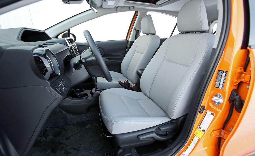 2018 Toyota Prius C - Slide 33