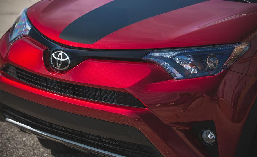 2018 Toyota RAV4 Adventure - Slide 20