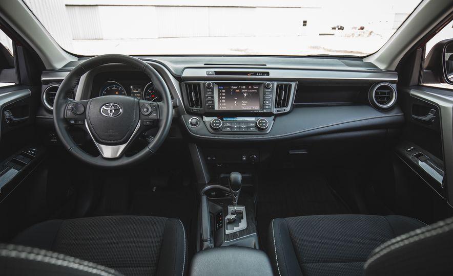 2018 Toyota RAV4 Adventure - Slide 29
