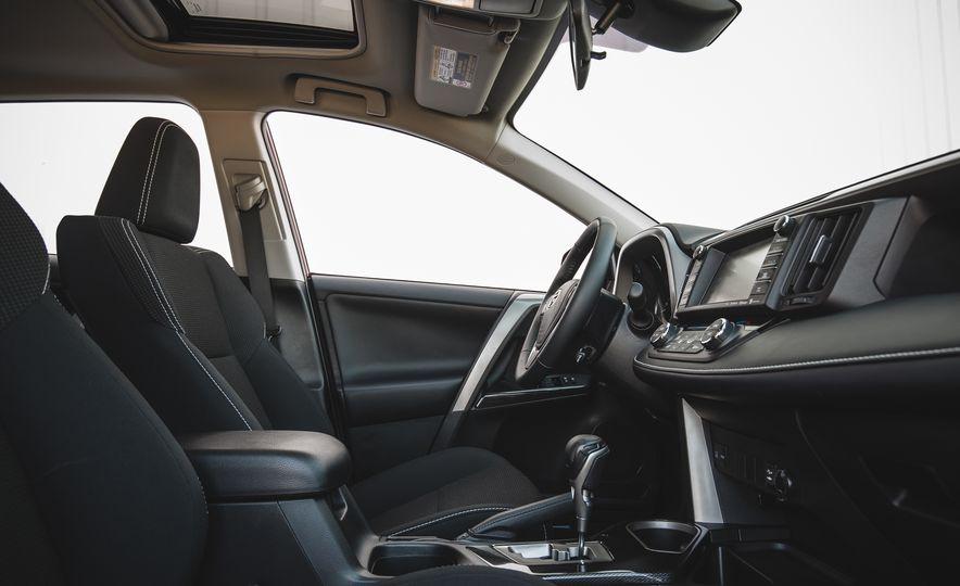 2018 Toyota RAV4 Adventure - Slide 31