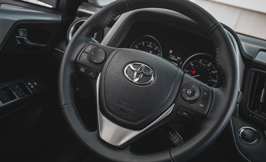 2018 Toyota RAV4 Adventure - Slide 40