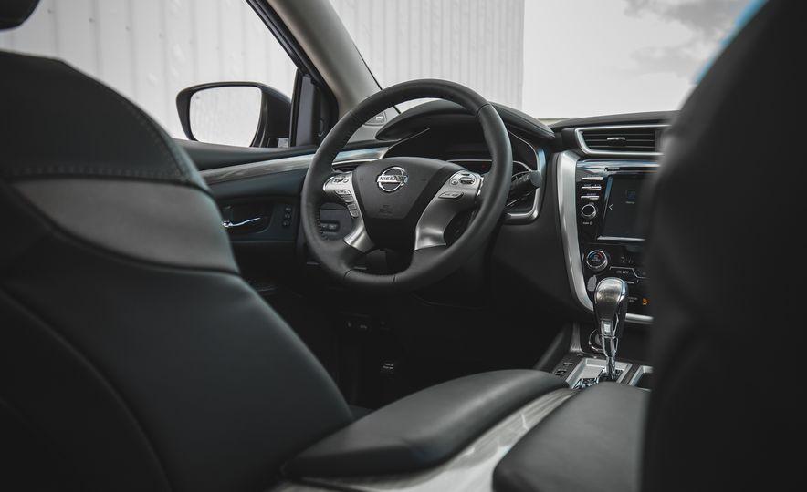 2018 Nissan Murano Platinum - Slide 37