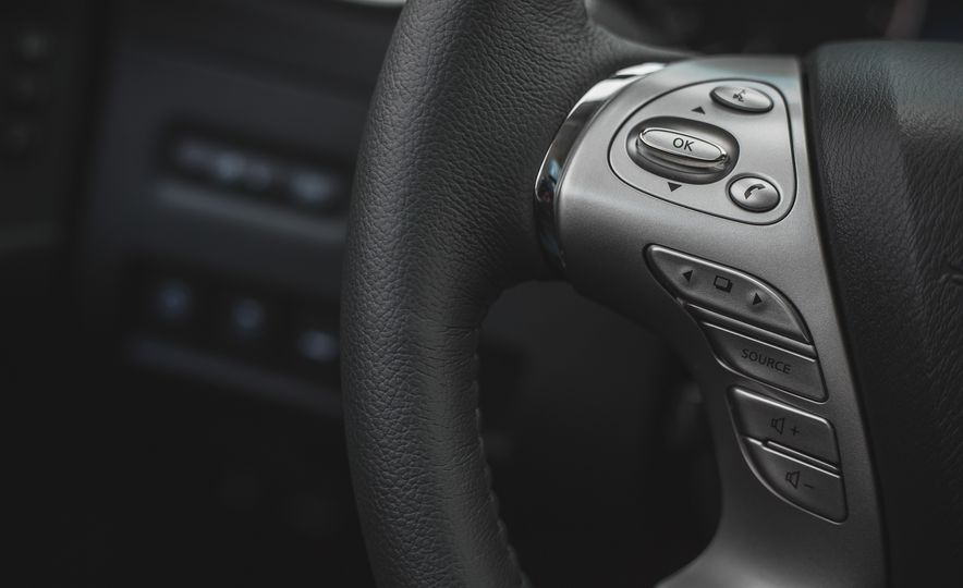 2018 Nissan Murano Platinum - Slide 40