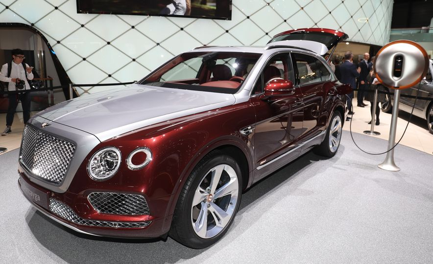 2019 Bentley Bentayga Hybrid - Slide 5