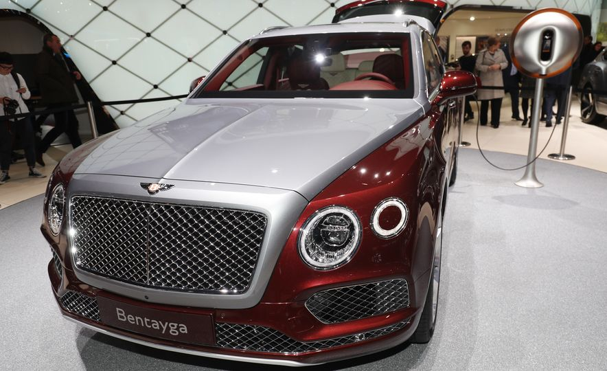 2019 Bentley Bentayga Hybrid - Slide 6
