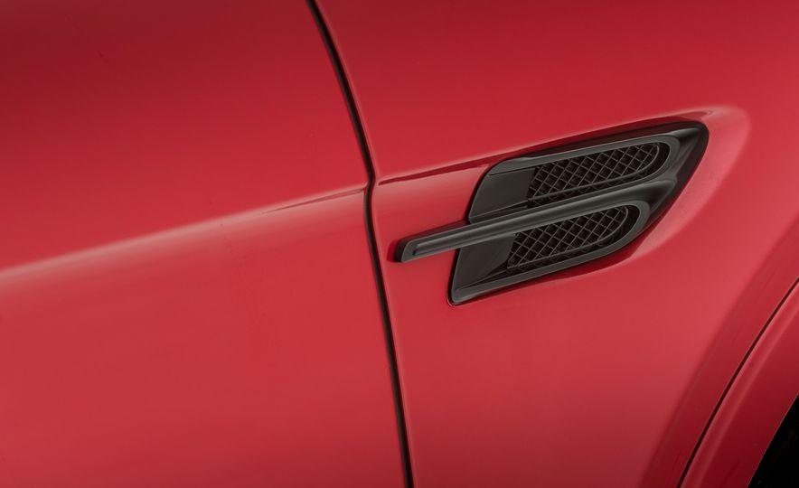 2019 Bentley Bentayga V-8 - Slide 22