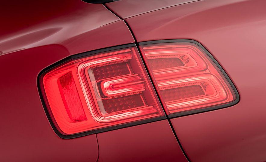 2019 Bentley Bentayga V-8 - Slide 23