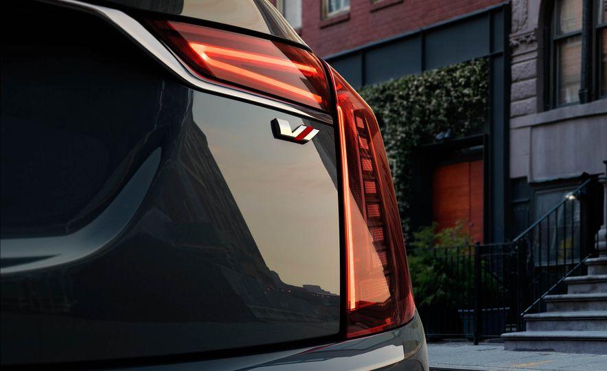 2019 Cadillac CT6 V-Sport - Slide 14