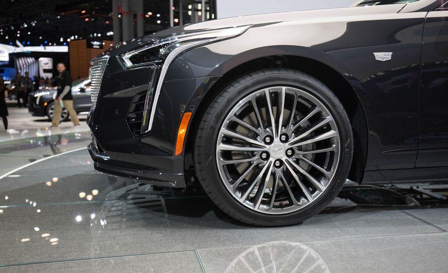 2019 Cadillac CT6 V-Sport - Slide 5