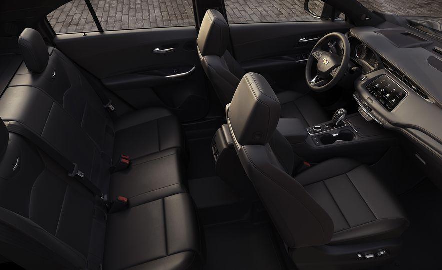 2019 Cadillac XT4 - Slide 33