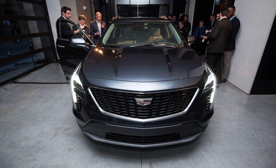 2019 Cadillac XT4 - Slide 10