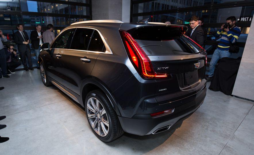 2019 Cadillac XT4 - Slide 14