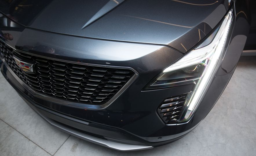 2019 Cadillac XT4 - Slide 15