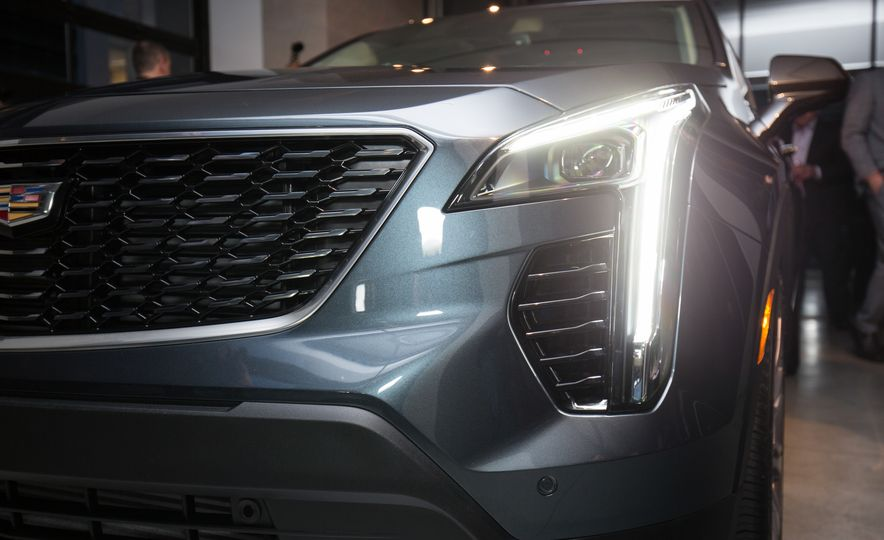 2019 Cadillac XT4 - Slide 16