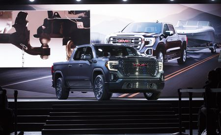 2019 GMC Sierra Revealed: Diesel Power and a Carbon-Fiber Bed  – Official Photos and Info