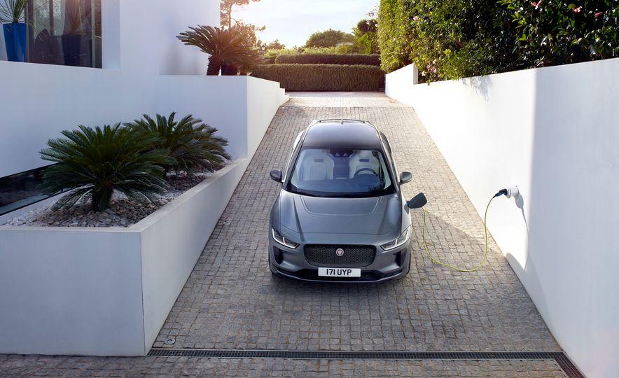 2019 Jaguar I-Pace - Slide 25