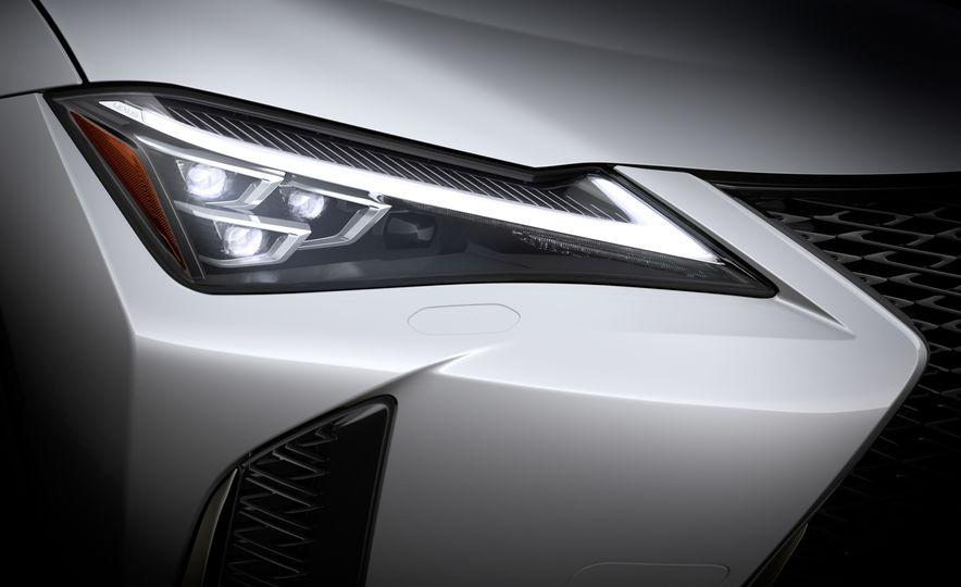 2019 Lexus UX - Slide 15