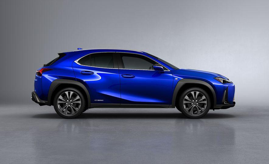 2019 Lexus UX - Slide 19