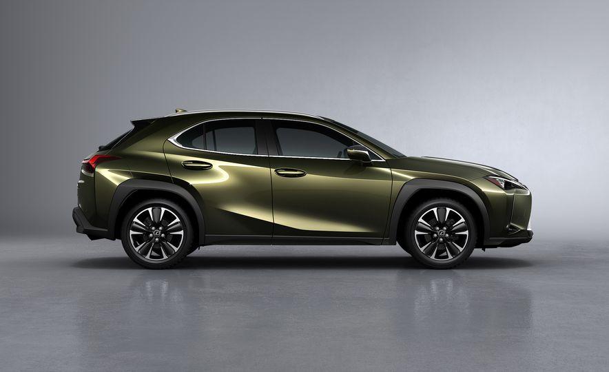 2019 Lexus UX - Slide 21