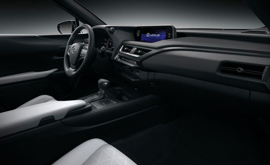 2019 Lexus UX - Slide 74
