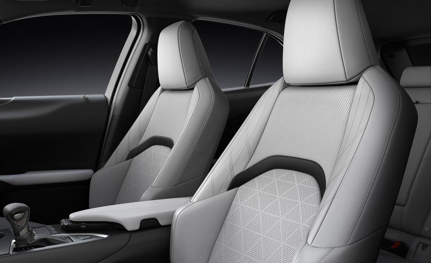 2019 Lexus UX - Slide 77