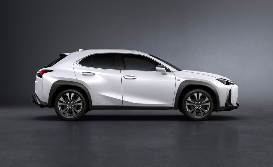 2019 Lexus UX - Slide 36
