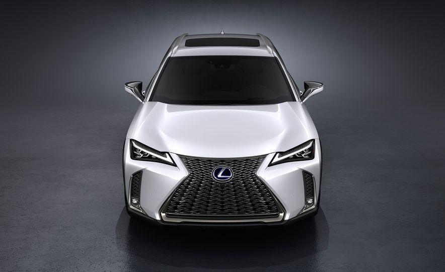 2019 Lexus UX - Slide 39