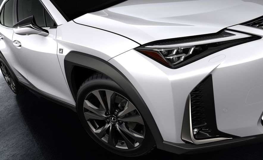 2019 Lexus UX - Slide 41