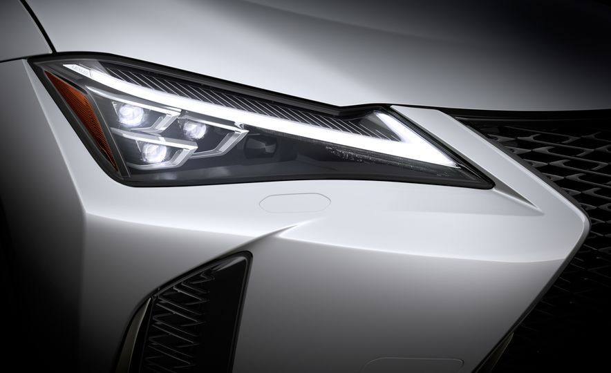 2019 Lexus UX - Slide 42