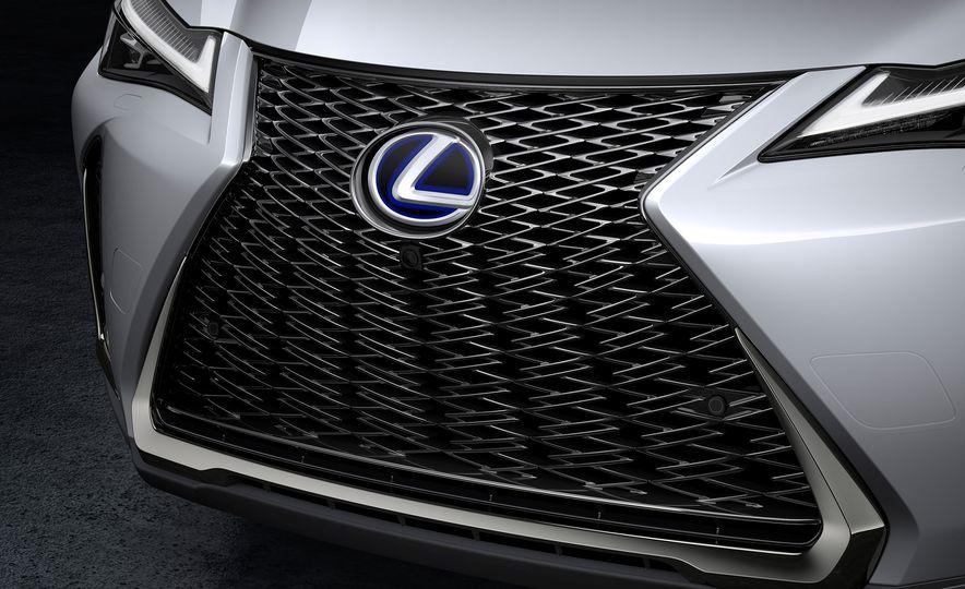 2019 Lexus UX - Slide 43