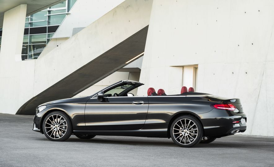 2019 Mercedes-AMG C43 coupe 4Matic - Slide 34