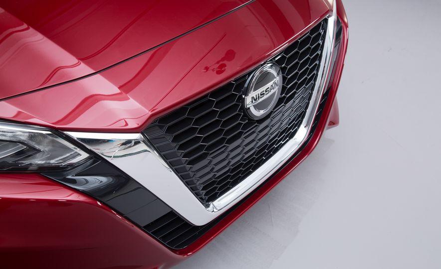 2019 Nissan Altima - Slide 3